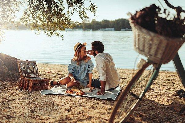 Jak gwiazdy widzą Twoje szanse na letnią miłość?